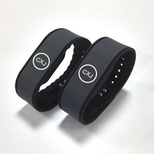 uhf long range wristband