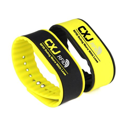 Custom Silicone RFID Chip Wristband CJ2308A03